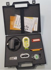 black box containing qId mini reader with chargers and varies tags in orange colour and a sample label pack